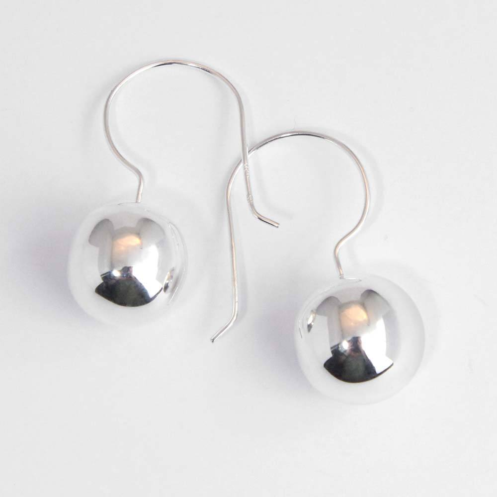 Ohrhänger 925er Silber mit polierter Kugel
