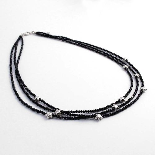 Kette aus schwarzen Spinellkugeln mit Silbersternen