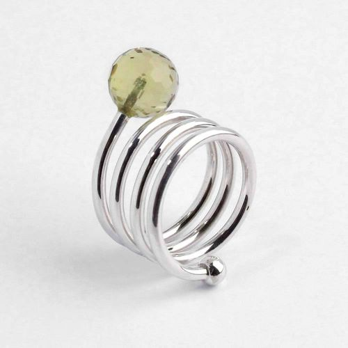Ring Spirale aus 925er Silber mit facettierter Lemoncitrinkugel